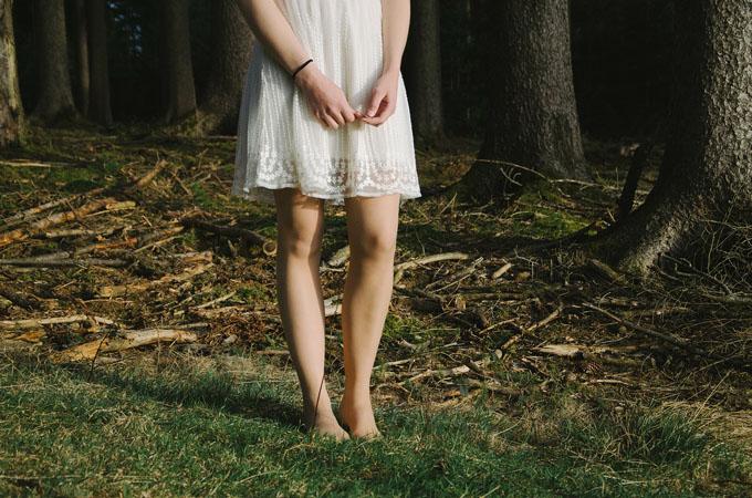 Barfuß Sommerkleid Füße