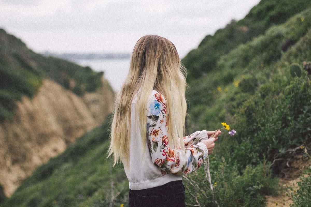Blondine Pullover Streetstyle
